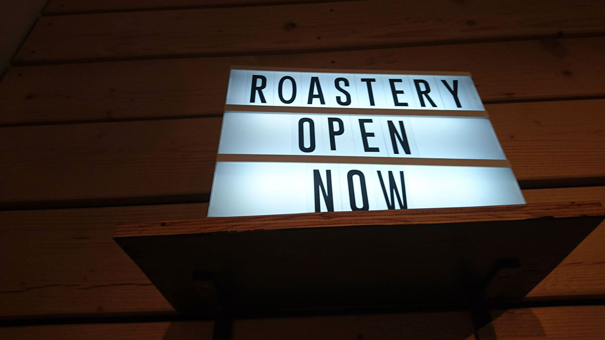 Beleuchtetes Schil Roastery open now